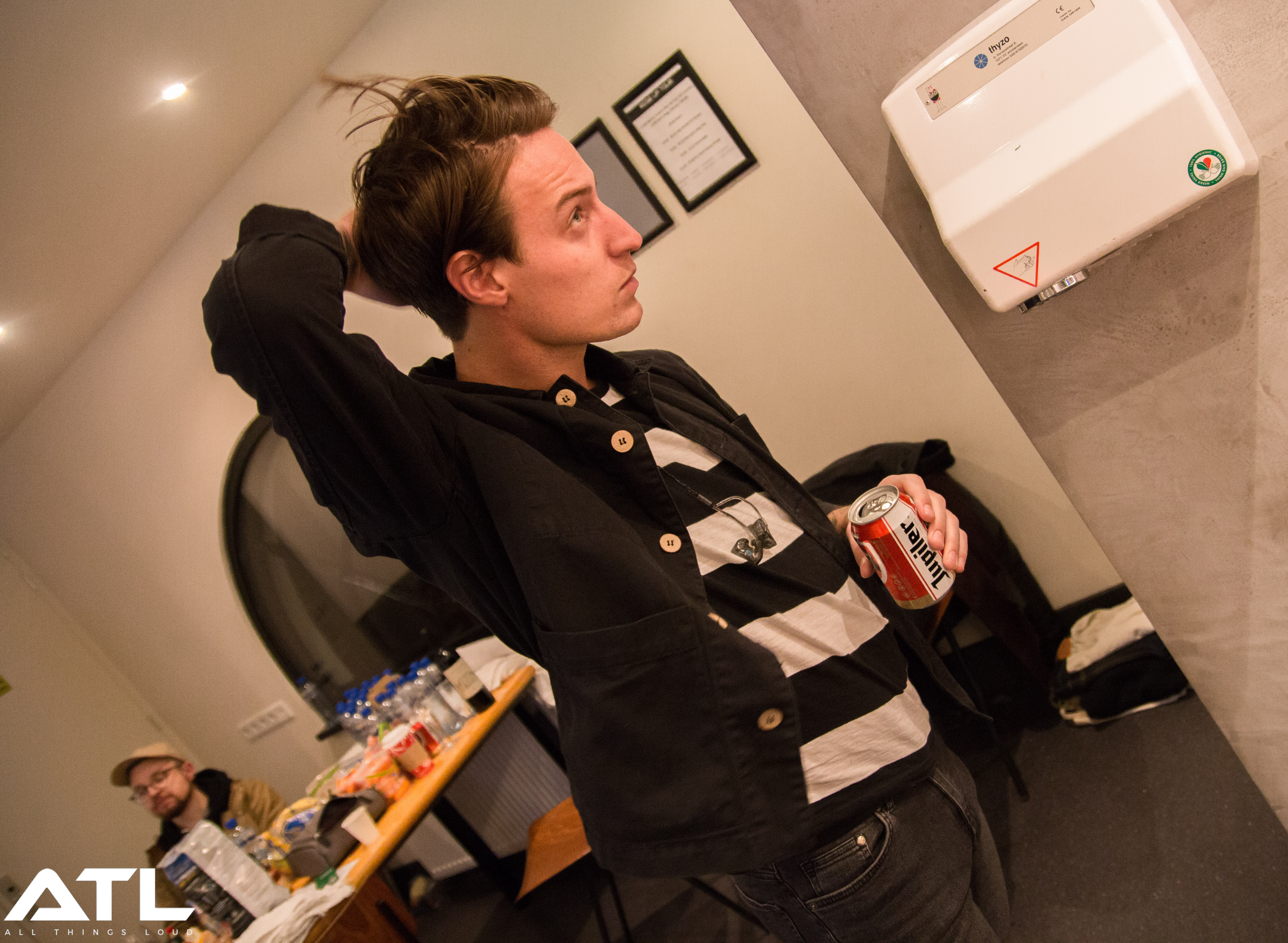 20:20. It's not long till Silverstein perform, with Paul-Marc adjusting his hair in preparation.