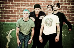 Red-Hot-Chili-Peppers-01-06-2011_164